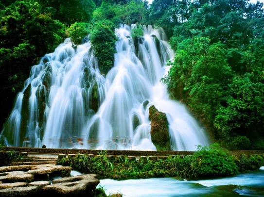 壁纸 风景 旅游 瀑布 山水 桌面 543_406
