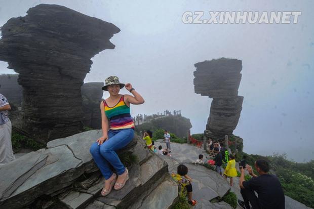 6月28日,国家5a级风景区贵州省江口县梵净山金顶上云蒸