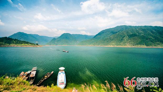 贵州旅游在线 贵州风景名胜 >> 正文   三板溪 地理位置:贵州省黔东南