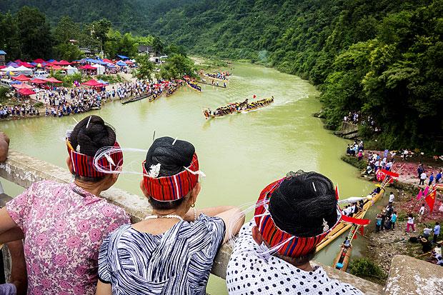 苗族独木龙舟文化 绽放台江清水江畔