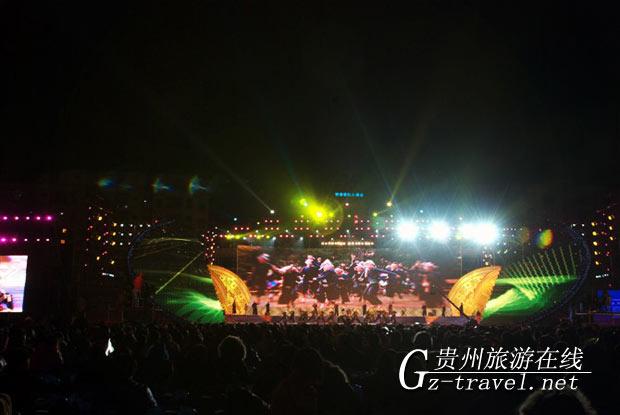 从江岜沙苗族风情震撼广西河池铜鼓山歌艺术节