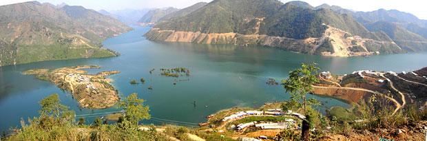 贵州中国之最最年轻的湖泊-罗甸高原千岛湖