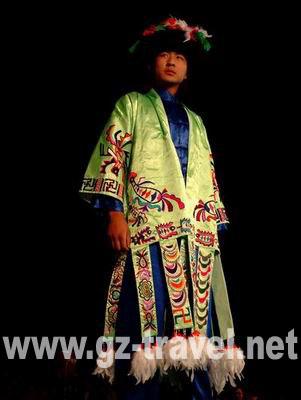 003 苗年 各民族服饰表演